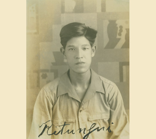 1947: As a fourth-year student in the Department of Agricultural Economics in National Taiwan University's College of Agriculture.