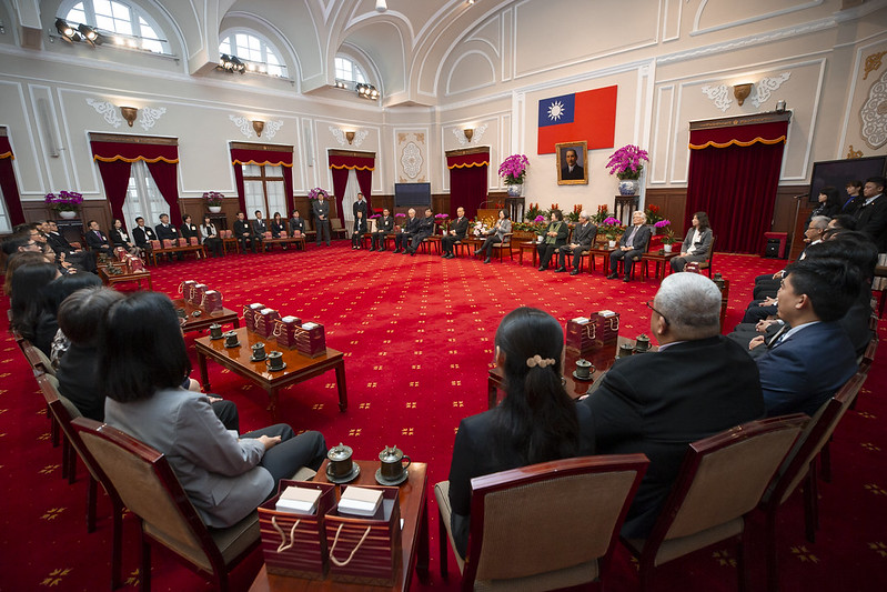 蔡英文總統今(5)日上午接見「108年度全國模範公務人員代表」
