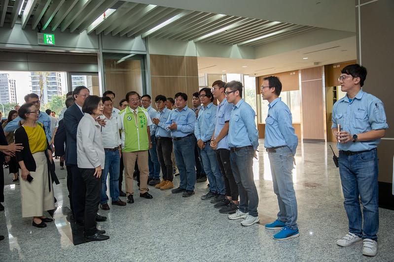 總統參訪「新竹生醫園區」,視察醫療大樓的裝修情形