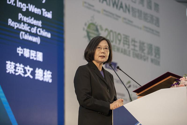 總統出席「臺北國際電子產業科技展、臺灣國際人工智慧暨物聯網展、臺灣國際智慧能源週聯合開幕典禮」,並致詞