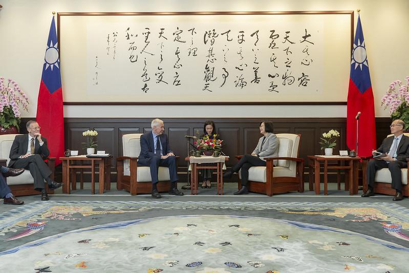 總統接見美國在臺協會(AIT)主席莫健