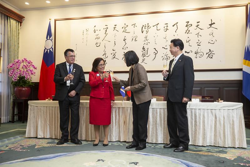總統盼促進兩國的經貿合作,讓夥伴關係更上一層樓。