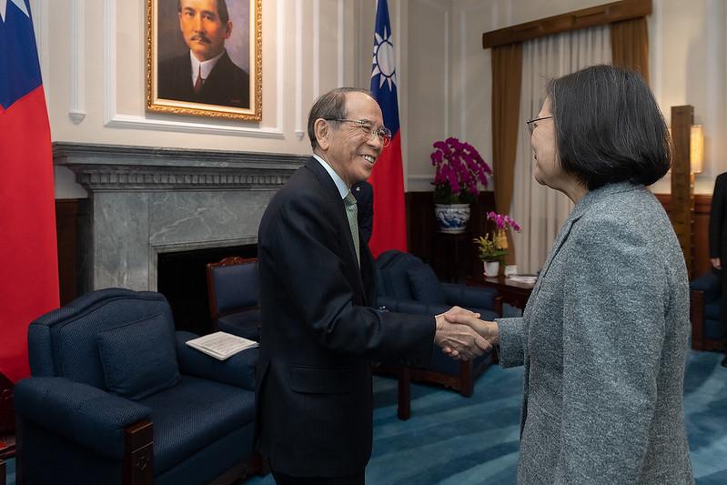蔡英文總統1月12日上午接見「日本台灣交流協會會長大橋光夫」