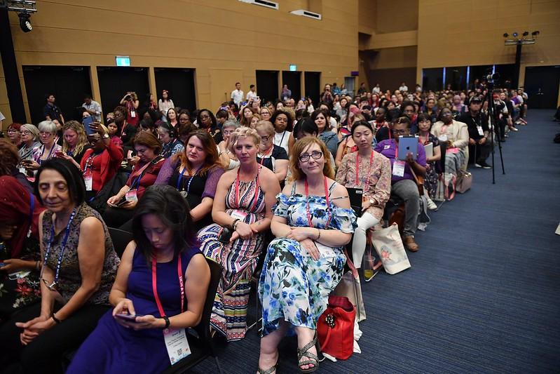 蔡英文總統今(5)日下午至高雄出席「第四屆世界婦女庇護安置大會」
