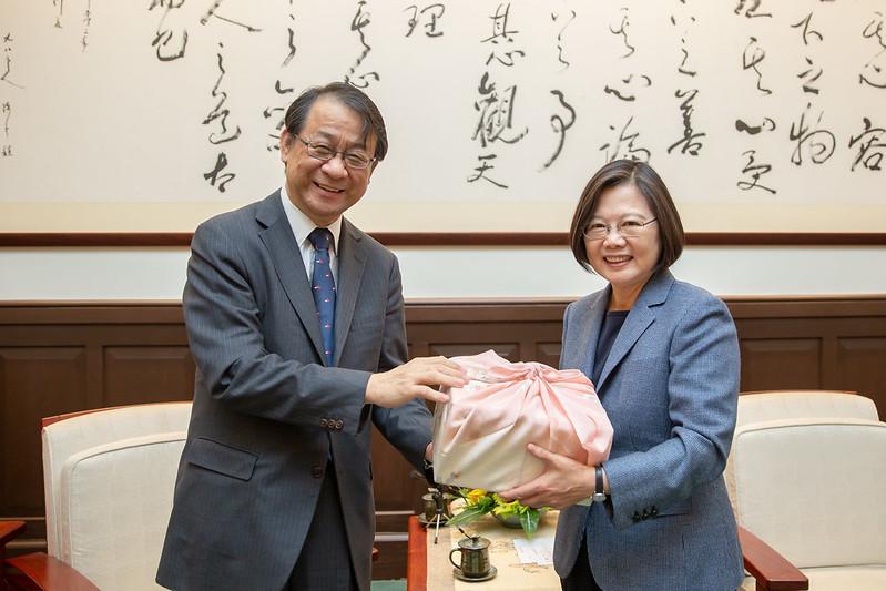 總統接見「日本台灣交流協會台北事務所新任代表泉裕泰」,歡迎泉裕泰代表來臺抵任