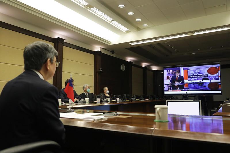 陳建仁副總統今(8)日上午以視訊方式接受「英國廣播公司」(BBC)「Newsday」節目專訪,分享臺灣防治武漢肺炎疫情經驗及回答有關國際合作抗疫等提問