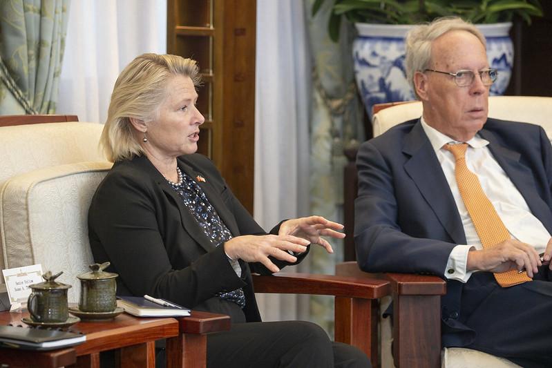 蔡英文總統今(11)日上午接見「美國外交政策全國委員會」(NCAFP)訪問團