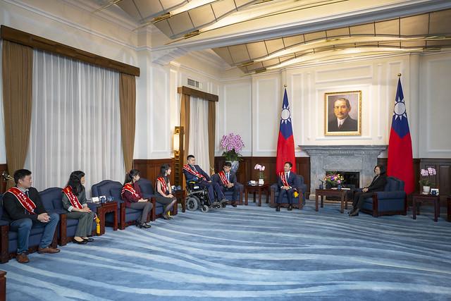 總統接見「第57屆十大傑出青年當選人」,並相互交流