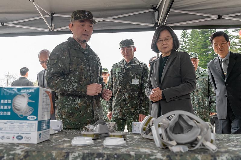 蔡英文總統今(27)日上午視導「陸軍第33化學兵群防疫整備」