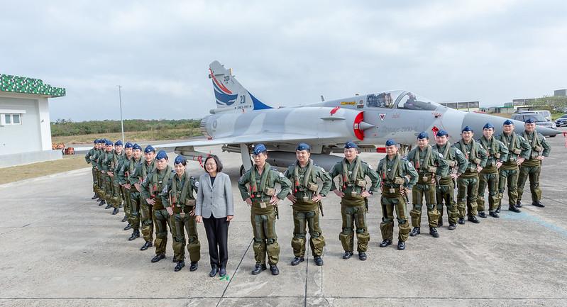 蔡英文總統今(16)日上午主持「新竹空軍基地興安專案新建營舍啟用典禮」
