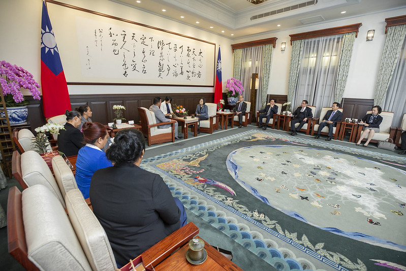 蔡英文總統今(20)日上午接見「吐瓦魯國外交部長柯飛(Simon Robert Kofe)伉儷」