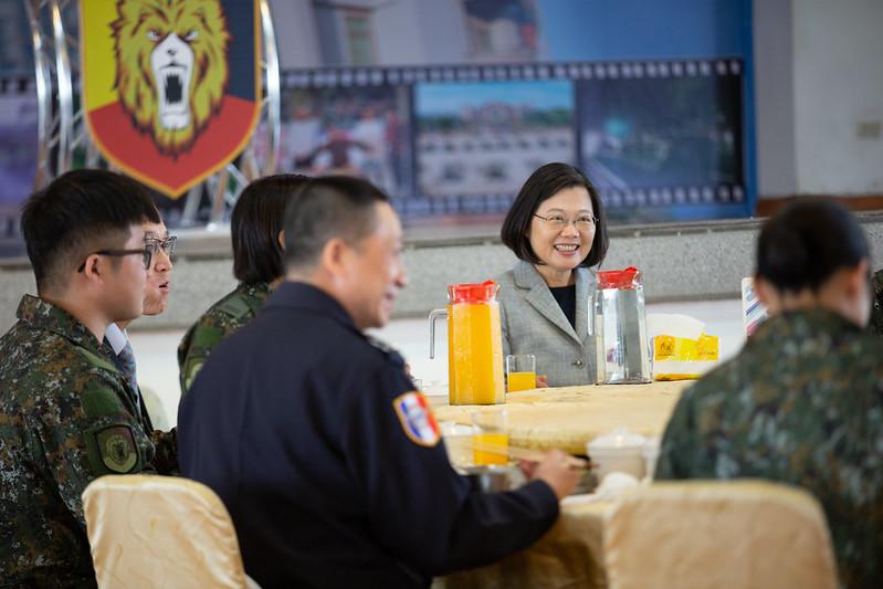 總統春節視導暨勗勉陸軍機步269旅,並與官兵們會餐