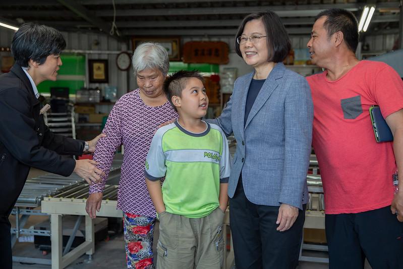 總統參訪「頂岩灣集貨場」