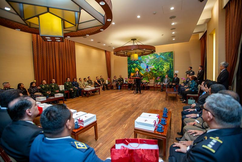 總統接見「108年國防大學國際高階將領班第14期學員」,並致詞誠摯歡迎遠從中、南美洲而來的學員朋友們
