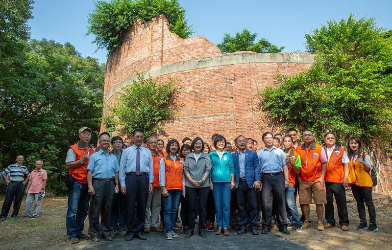 總統視察「前瞻基礎建設(水與環境計畫)-『虎尾糖廠酒精槽』」