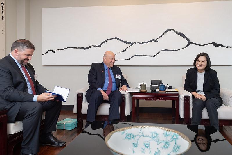 總統接見「威爾遜國際學人中心訪問團」