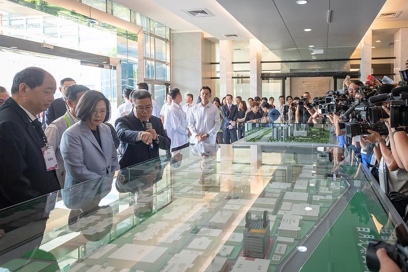 總統參訪「日月光半導體製造股份有限公司」