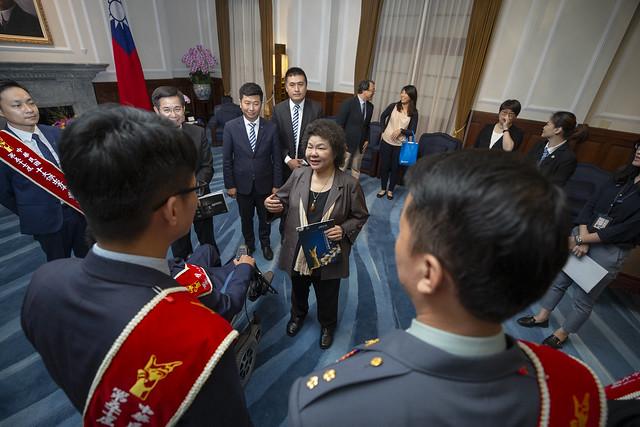 總統接見「第57屆十大傑出青年當選人」