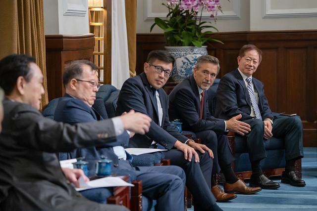 總統接見「國際半導體產業協會與臺灣半導體產業協會董監事及國內外半導體企業代表」