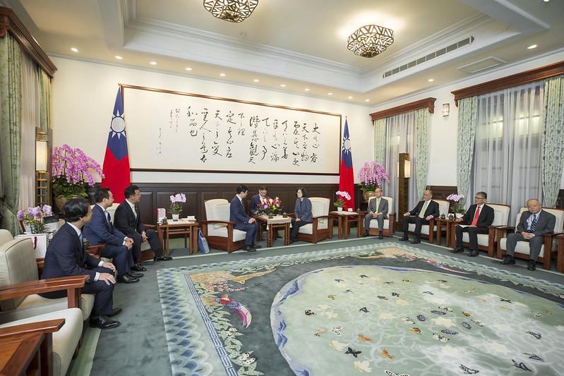 蔡英文總統今(2)日上午接見「日本自由民主黨大西宏幸眾議員團」