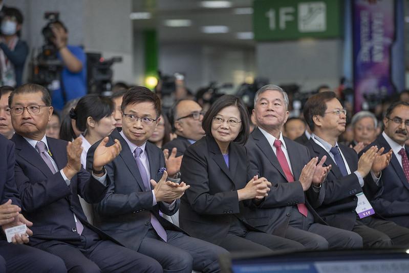 總統出席「臺北國際電子產業科技展、臺灣國際人工智慧暨物聯網展、臺灣國際智慧能源週聯合開幕典禮」