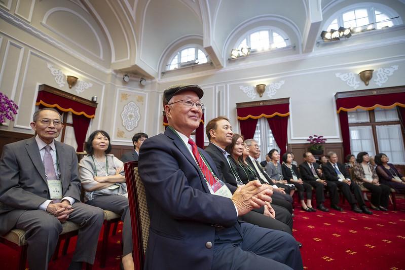 蔡英文總統今(4)日上午接見「北美洲臺灣人醫師協會回國訪問團」