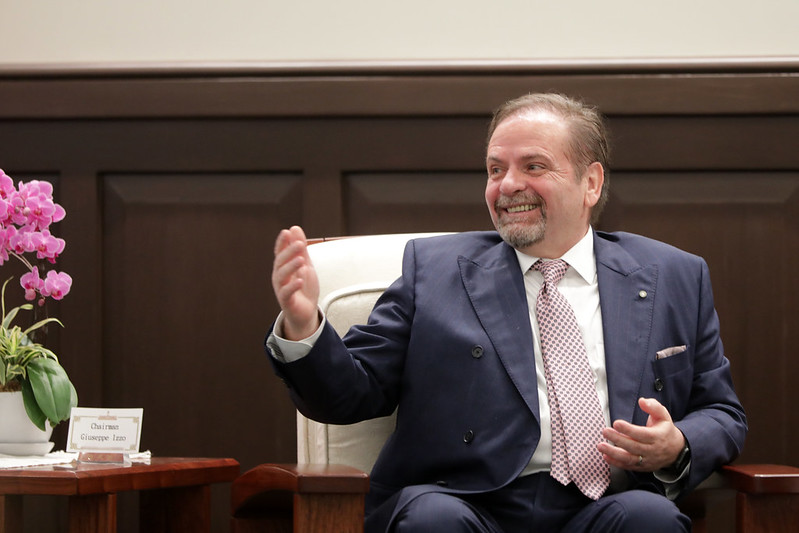 總統接見「歐洲在臺商務協會理事長尹容」